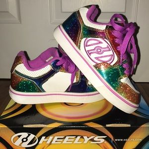 Girls Heelys sneakers